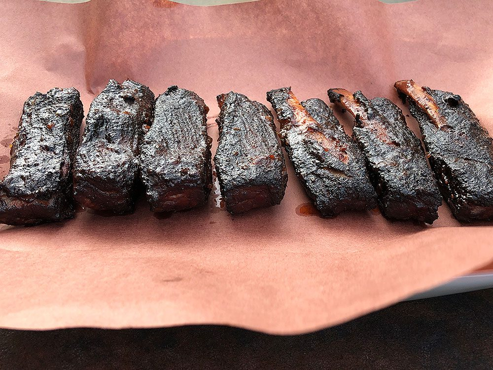 Rib-Wings-on-butcher-paper